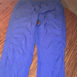 Lululemon size 12 blue street to studio crops
